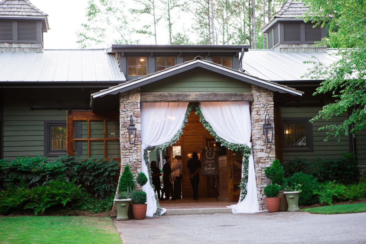 Windwood_Equestrian_Outdoor_Wedding_Venue_Alabama_Farm_Bride058