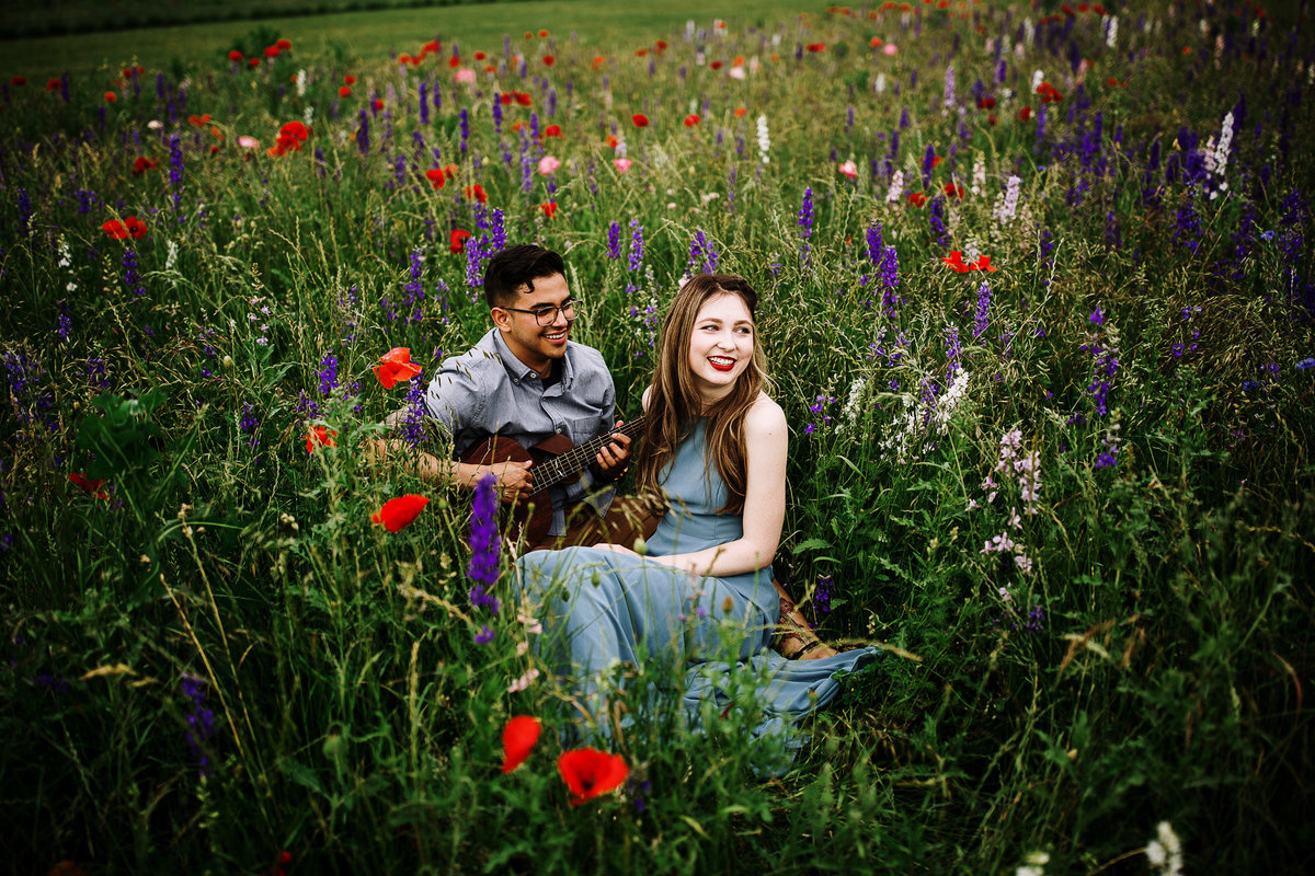 wildflower-field-engagement-photos-rebecca-renner-photography-1-6
