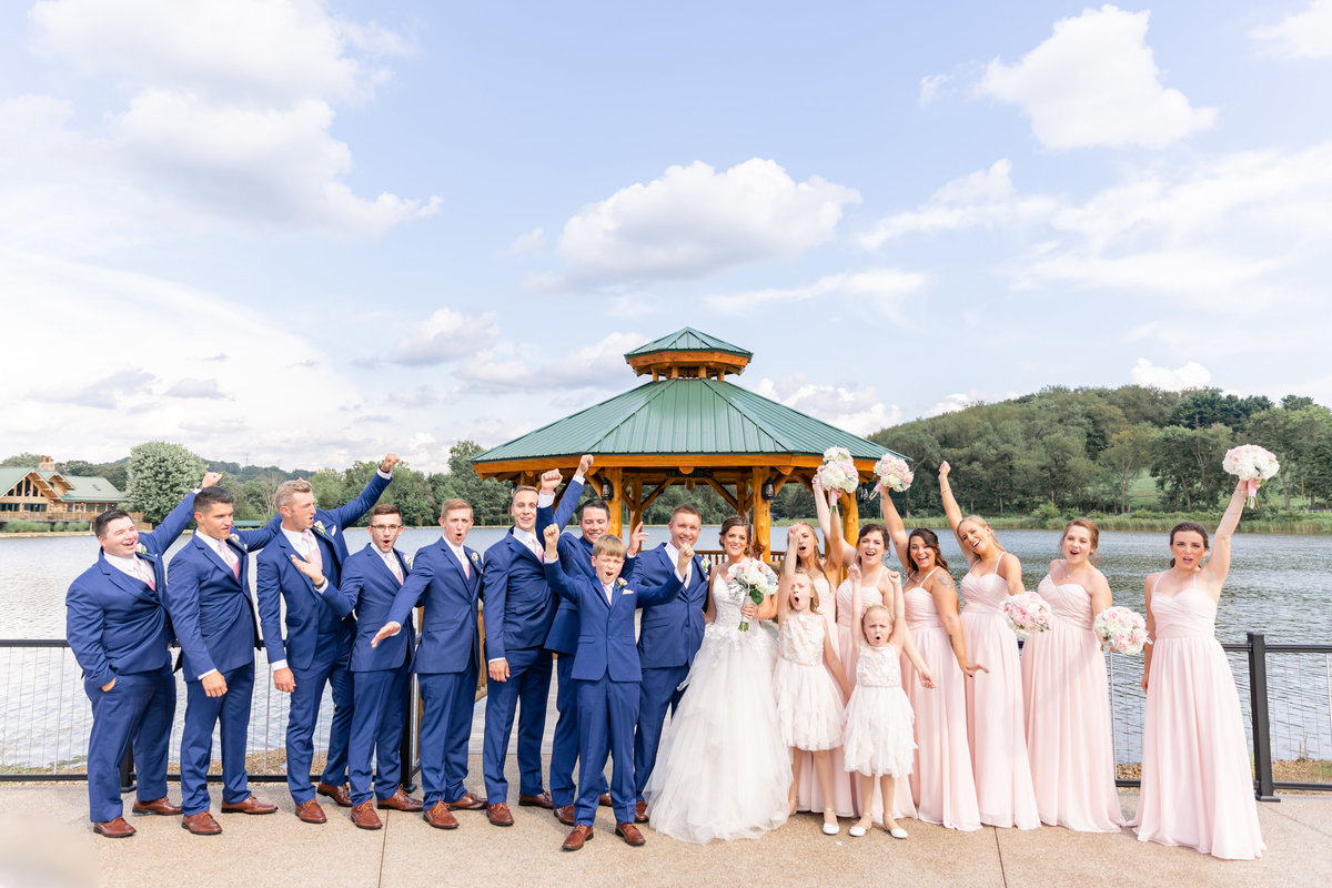 5F7A2523daniellefilmandphotothegatheringplaceatdarlingtonlakeweddingphotographerpennsylvania2019