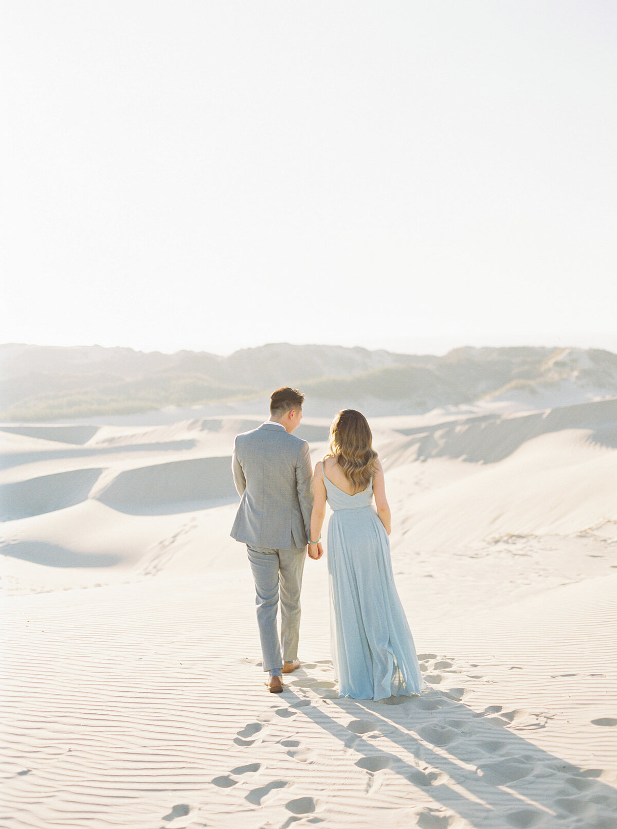 sand-dune-engagement-photos-4