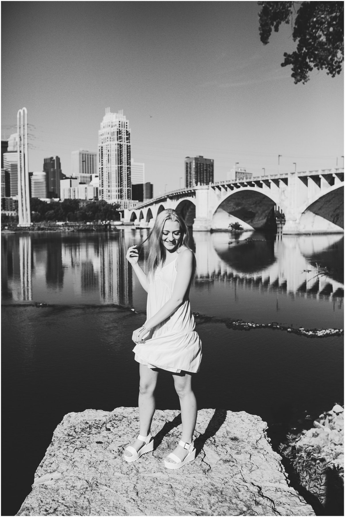 academy-holy-angels-minneapolis-modern-stylish-senior-pictures_0011