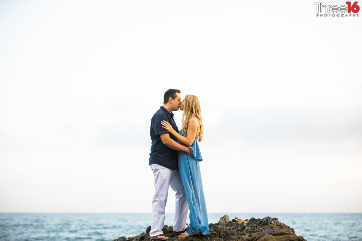Table Rock Beach Engagement Sessions Laguna Beach Orange County Wedding