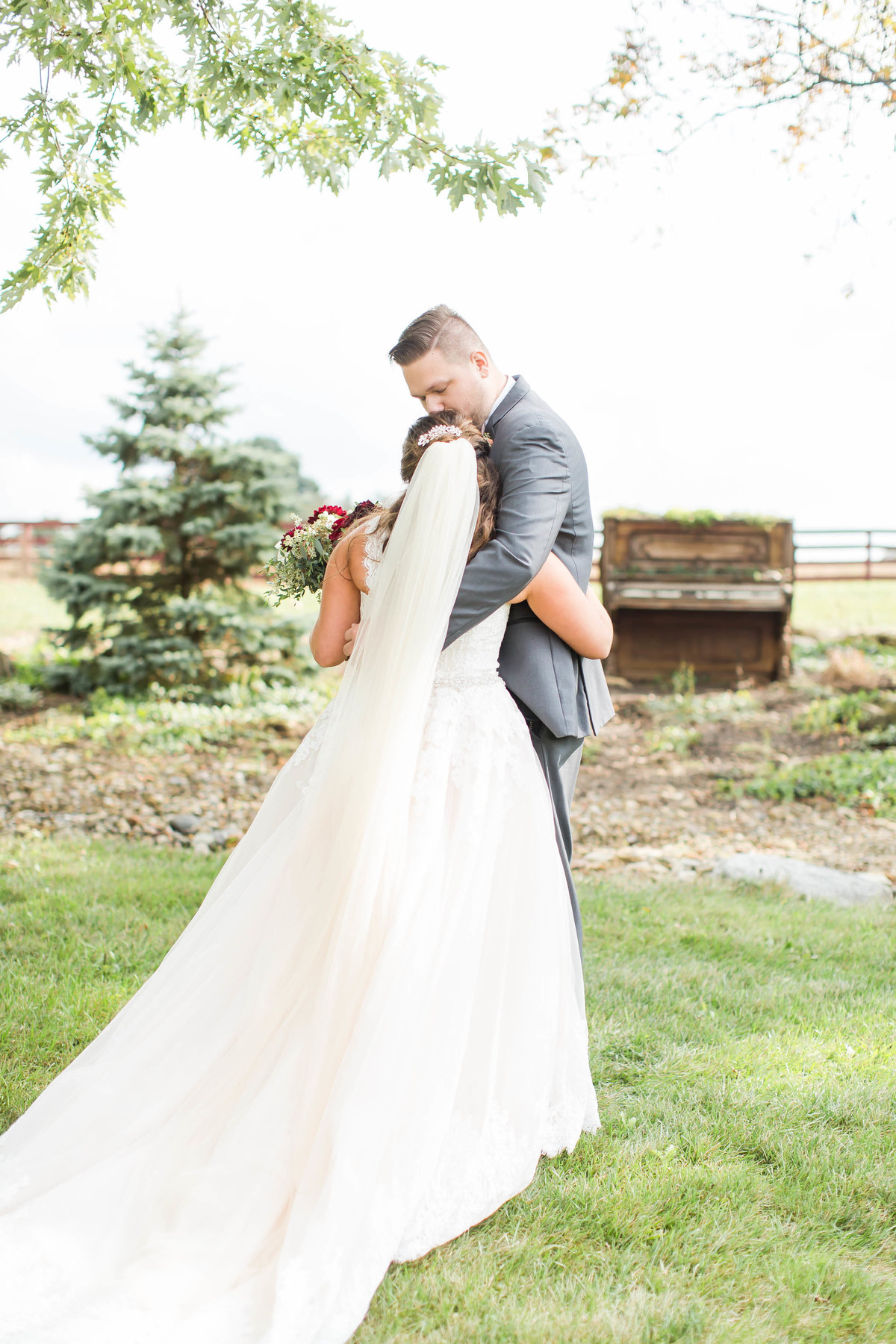 peacock-ridge-fall-wedding-loren-jackson-photography-53