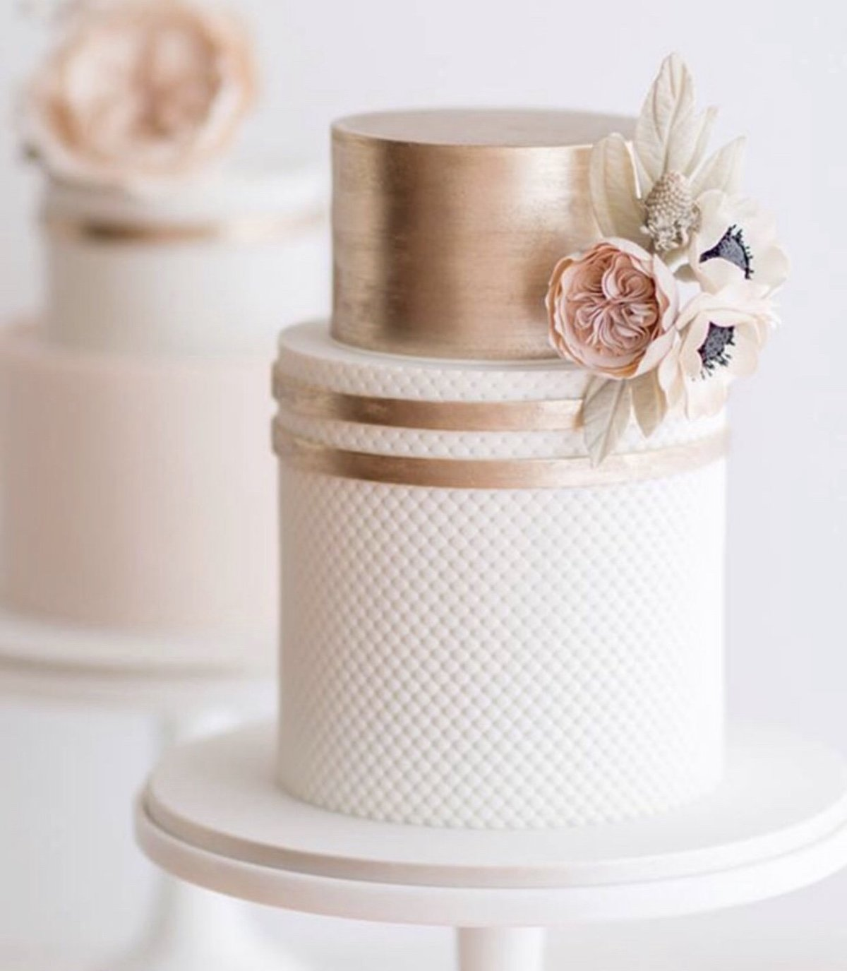 rose-gold-wedding-cake-joli-events-home