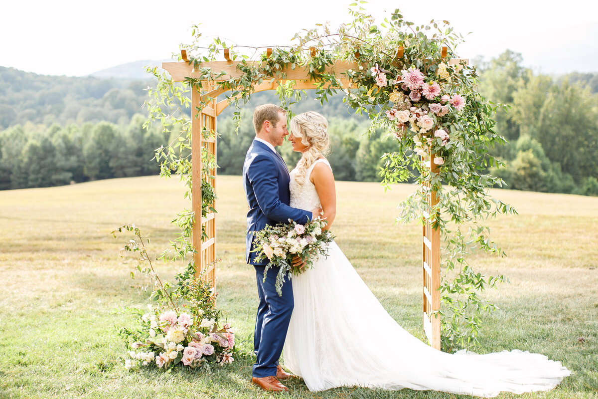 Tara Liebeck Photography Wedding Engagement Lifestyle Virginia Photographer Bright Light Airy108