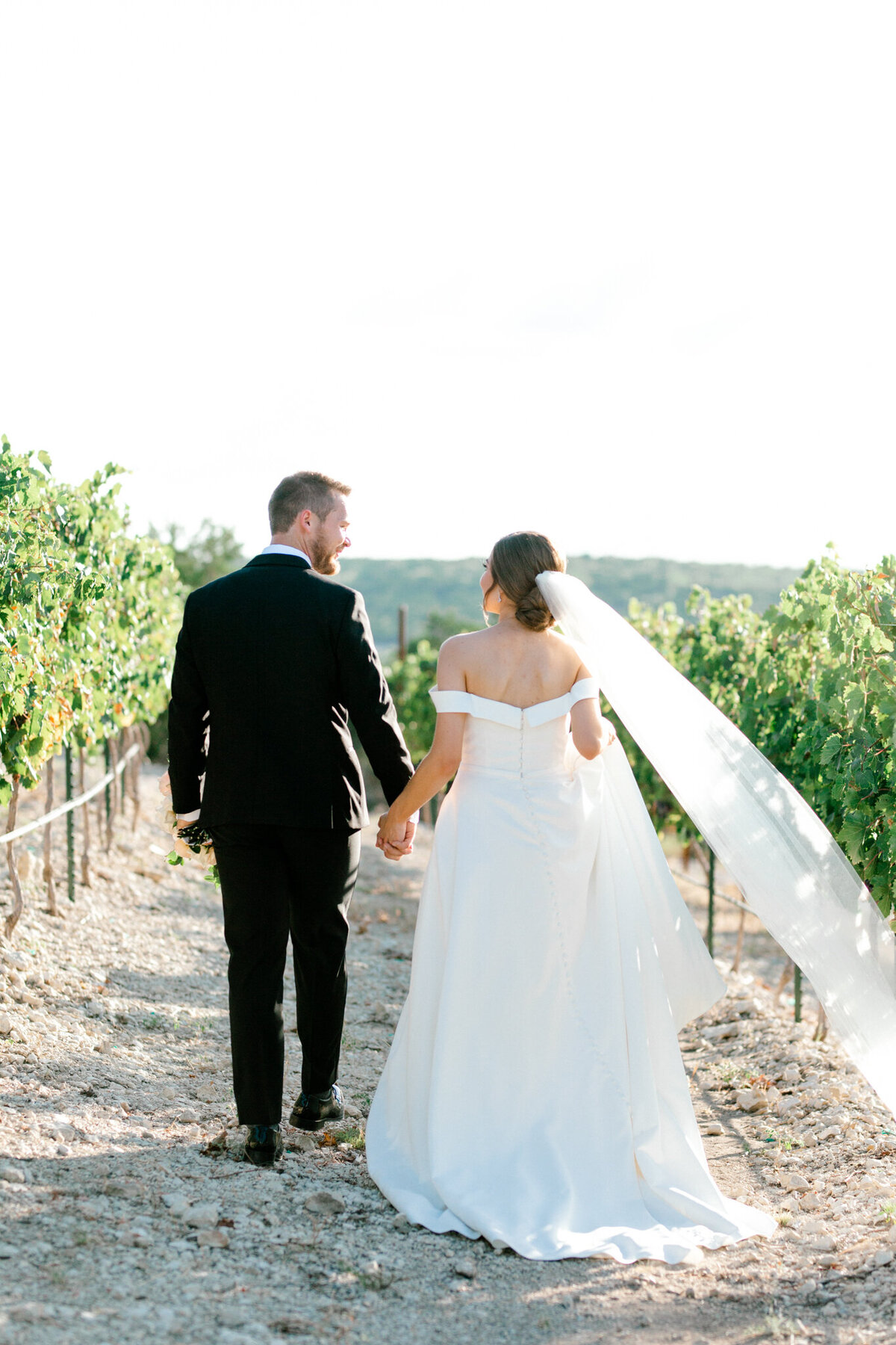 Lexi Broughton & Garrett Greer Wedding at Dove Ridge Vineyards | Sami Kathryn Photography | Dallas Wedding Photography-134