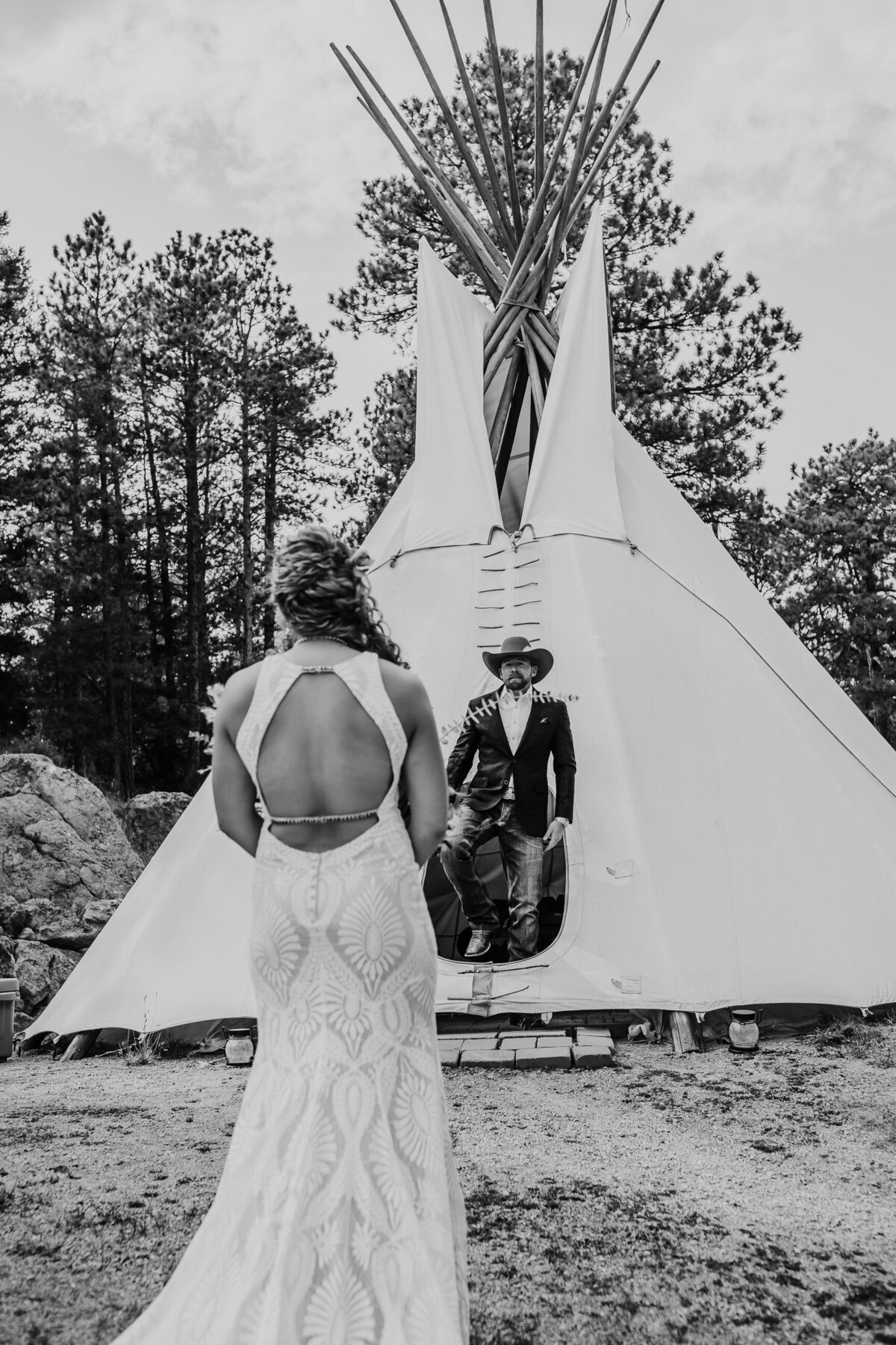 younger-ranch-wedding-Native-Roaming-Photography-22