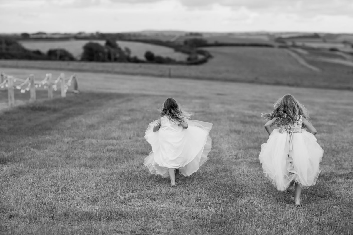 flower girls at carswell weddings