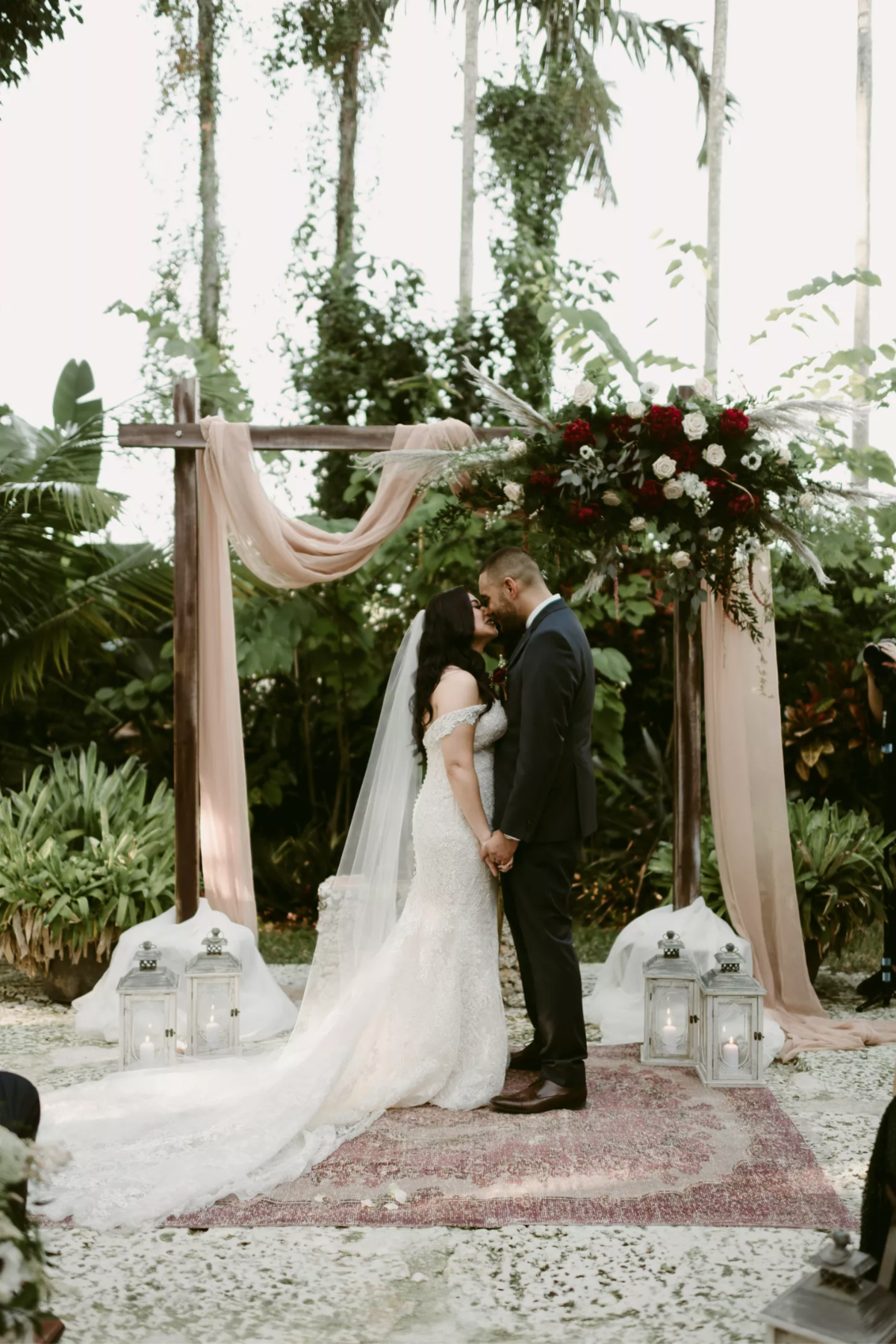 Miami-Wedding-Planner-Gather-and-Bloom-Events-Andrielle-Photography-Walton-House-Wedding-10