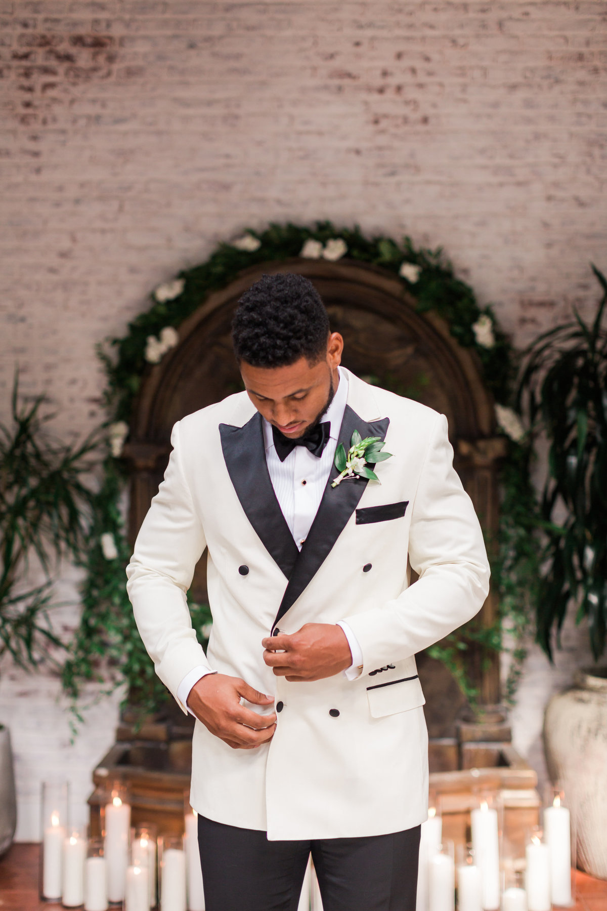 Ebell_Los_Angeles_Malcolm_Smith_NFL_Navy_Brass_Wedding_Valorie_Darling_Photography - 47 of 122