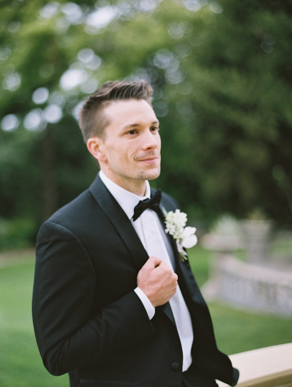 daniel-and-bethany-weddings-groom-in-tux
