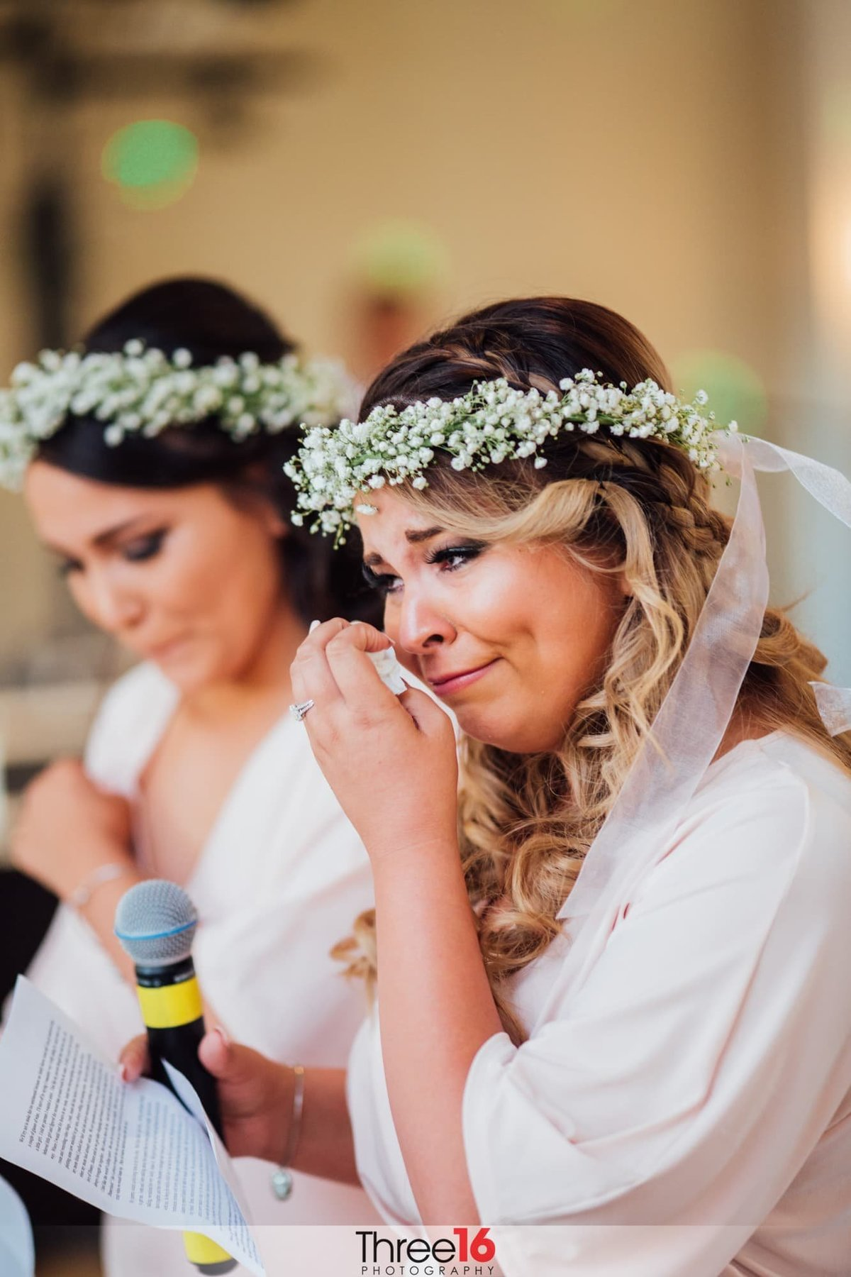 Maid of Honor sheds a tear while delivering her toast