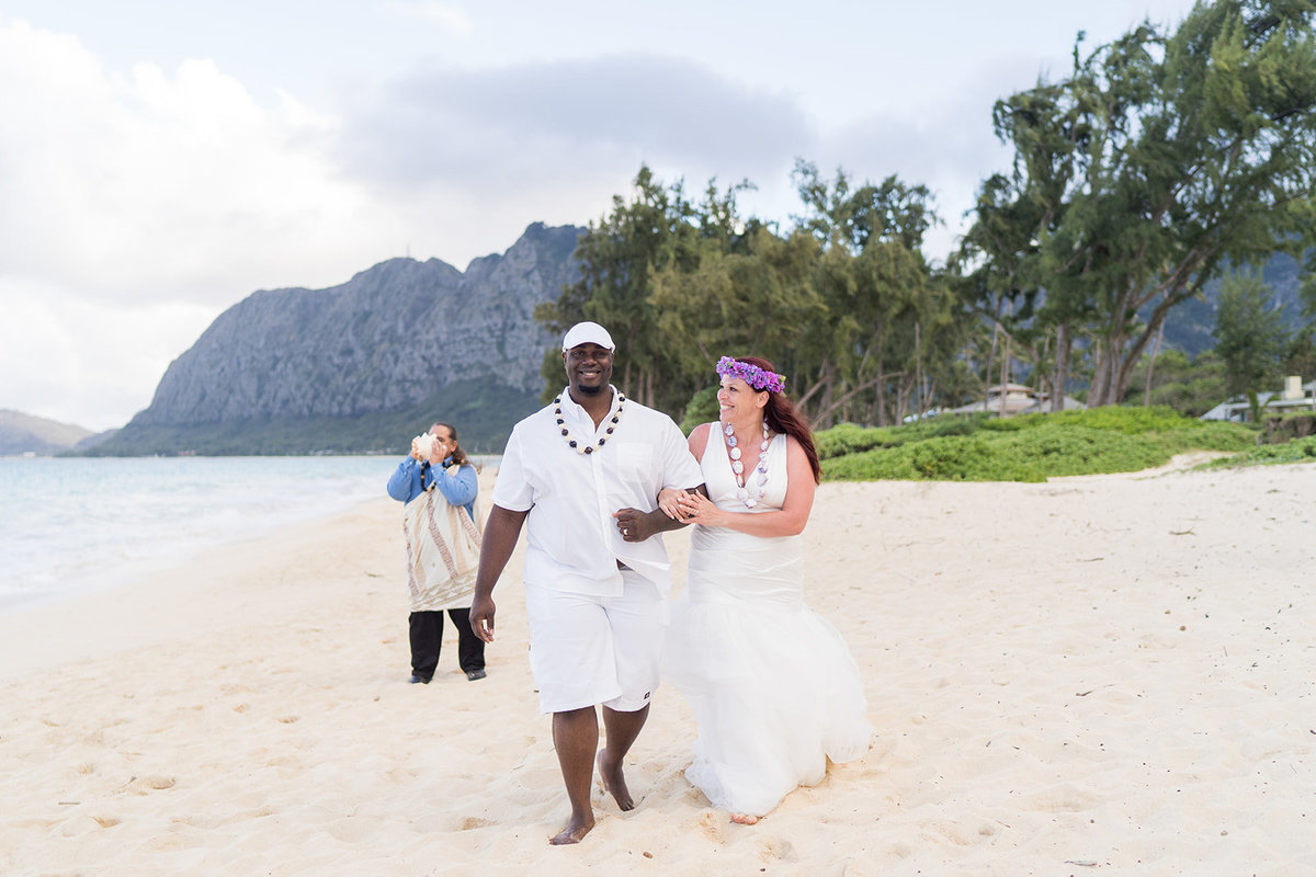 Oahu Hawaii Wedding Photos-68