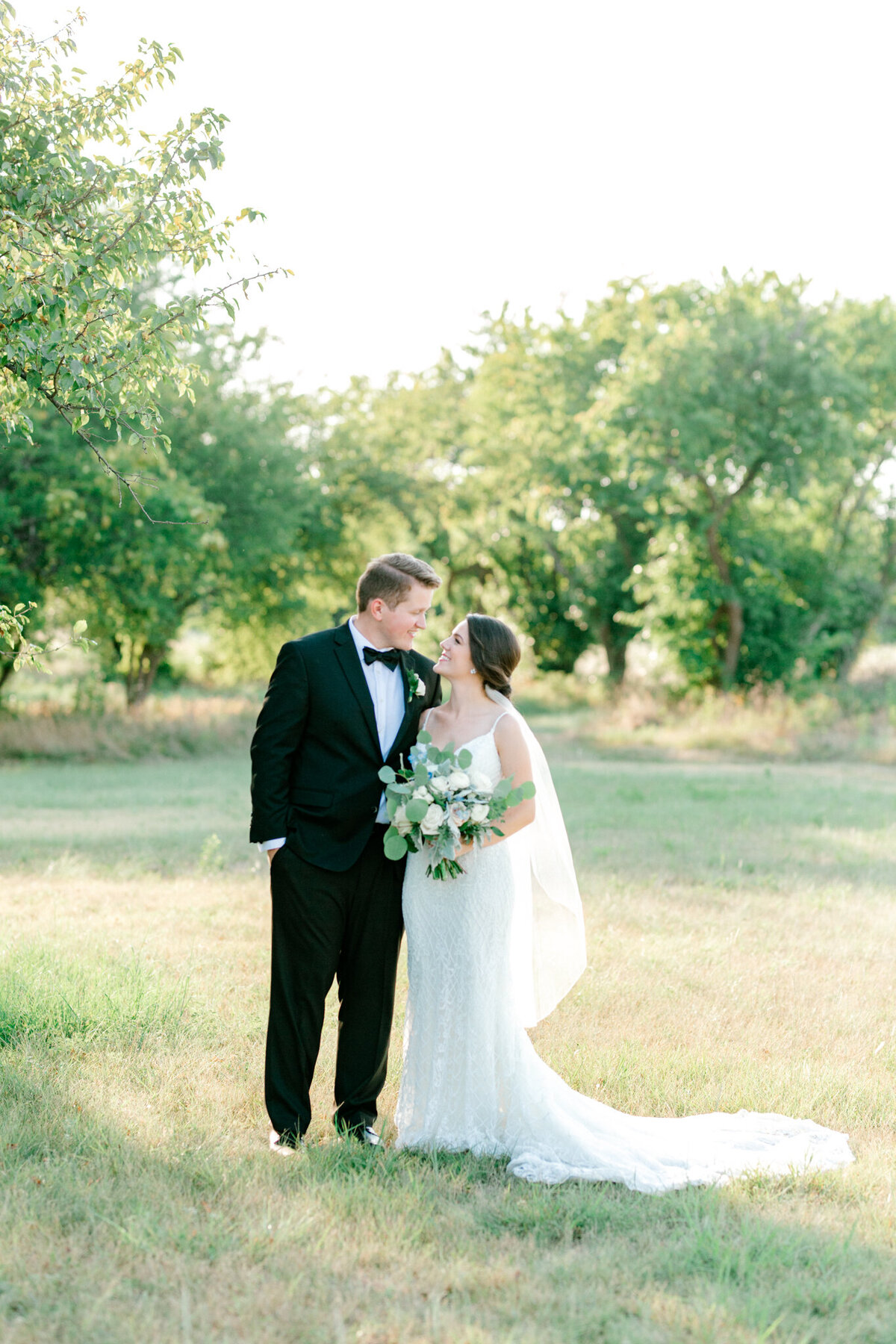 Anna & Billy's Wedding at The Nest at Ruth Farms | Dallas Wedding Photographer | Sami Kathryn Photography-162