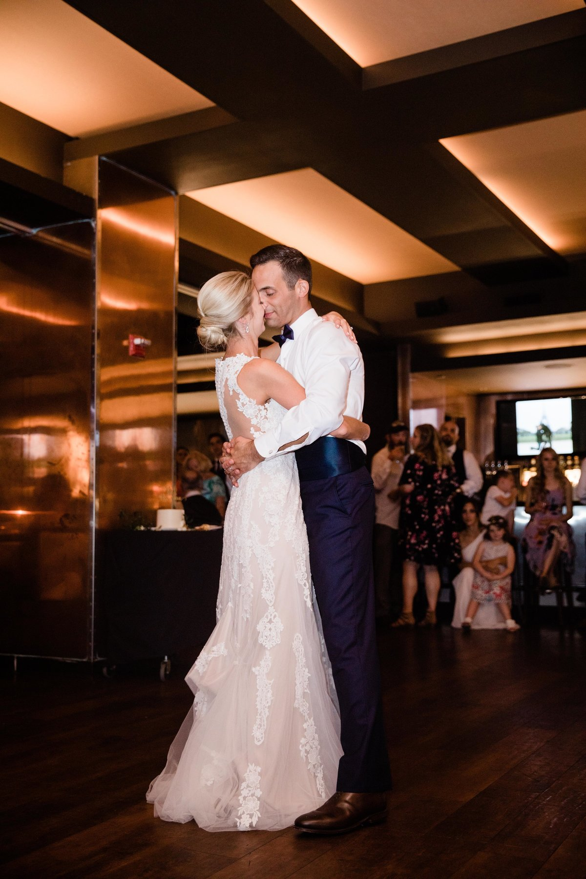 chicago-tribune-tower-wedding-nicole-jason-805