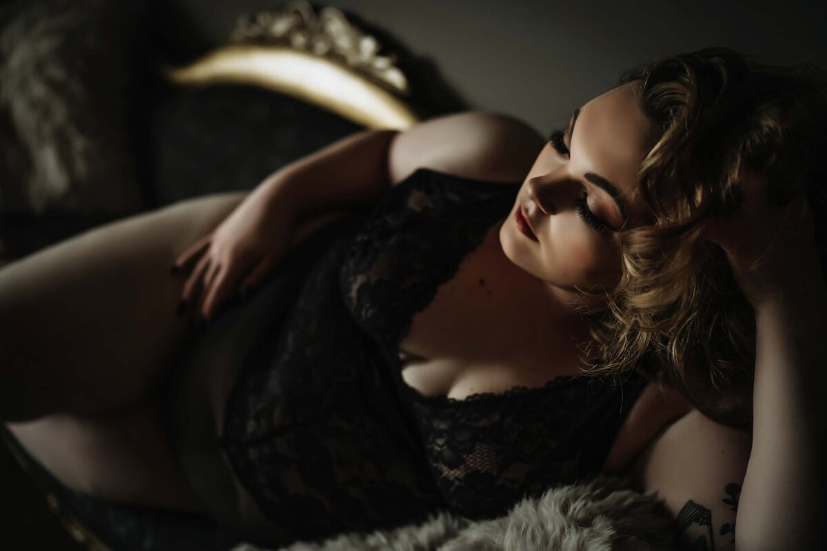 Curvy Boudoir Photography in Nashville -003
