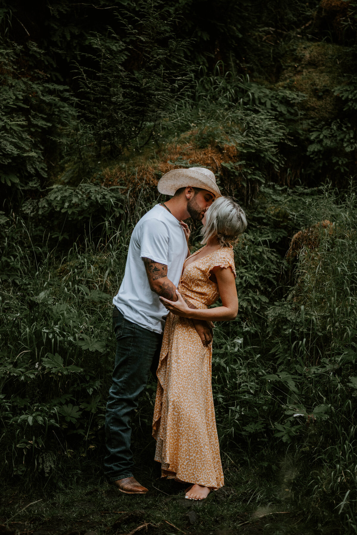 sahalie-falls-oregon-engagement-elopement-photographer-central-waterfall-bend-forest-old-growth-7129