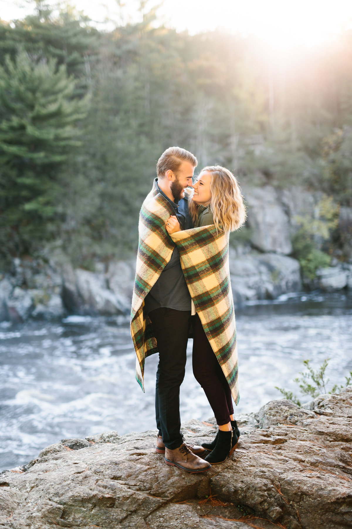 Taylors-Falls-Minneapolis-Fall-Engagement-17