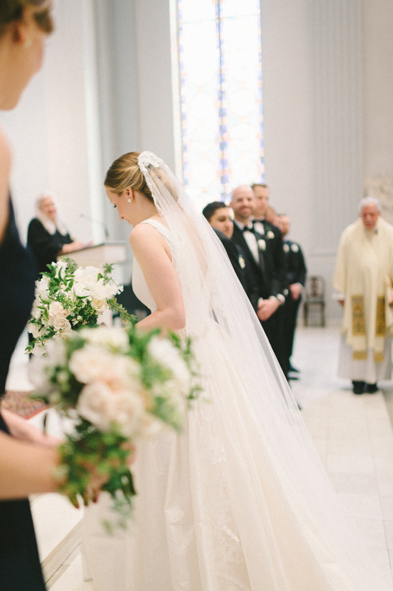 bride-alter-holy-trinity-catholic-church-dc