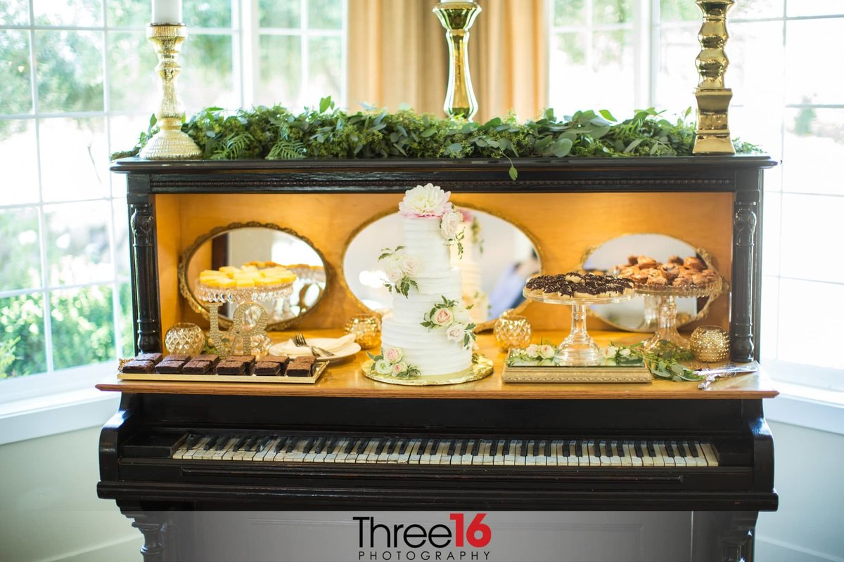 Piano used as dessert station