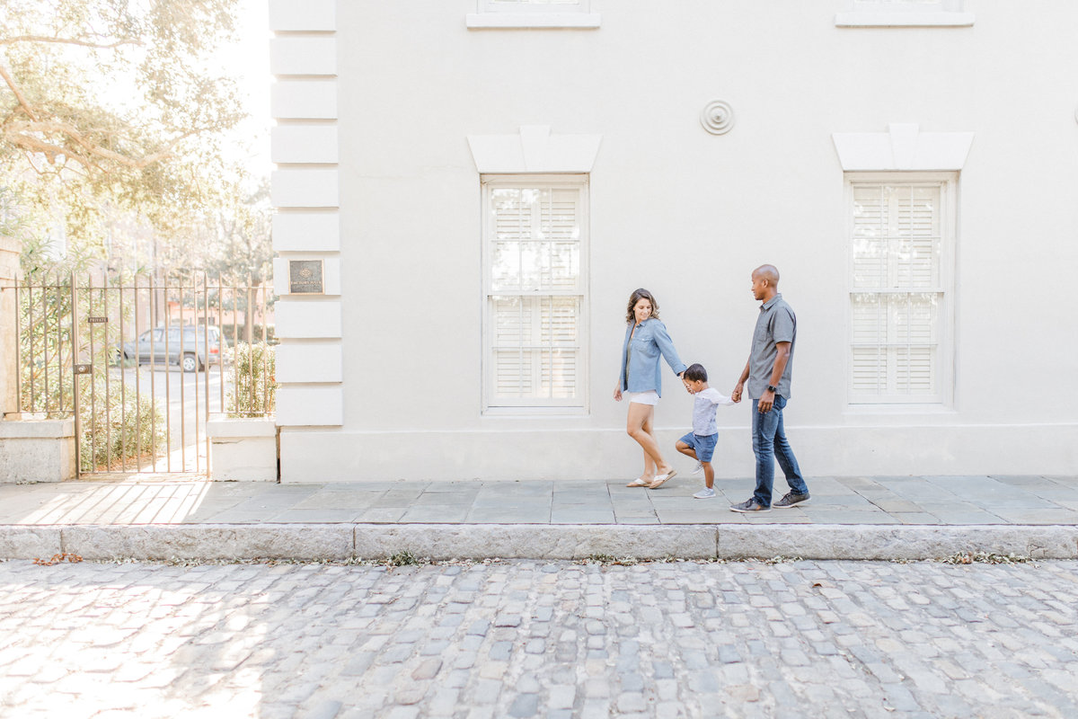 Downtown-Charleston-Family-Photos-Laura-Ryan-Photography-14