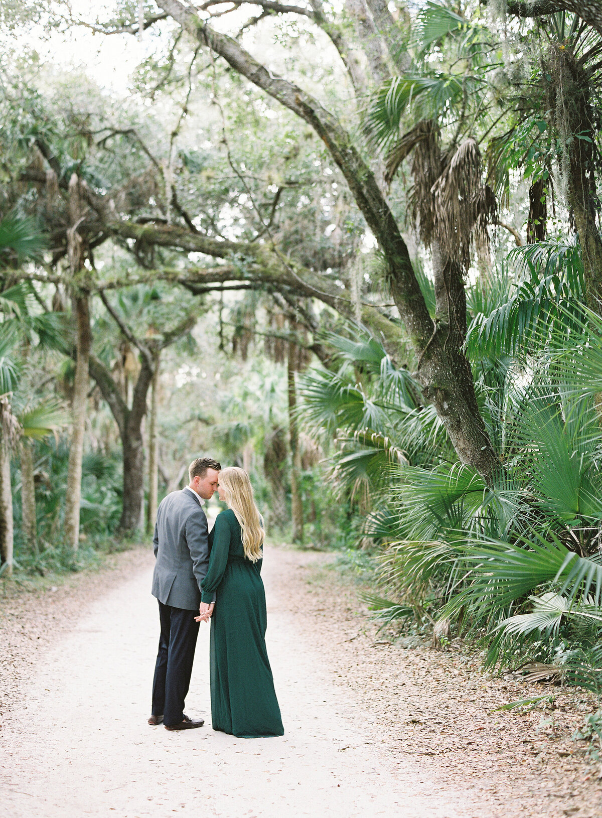 Napl-Florida-Engagement-film-photogrpaher-koreshan-state-park-7