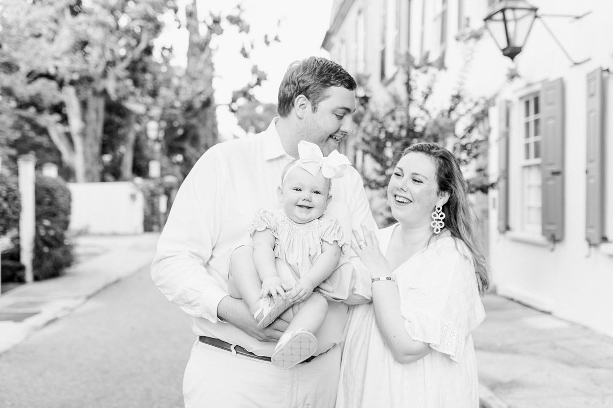 Downtown-Charleston-Family-Photography-Session-_0012