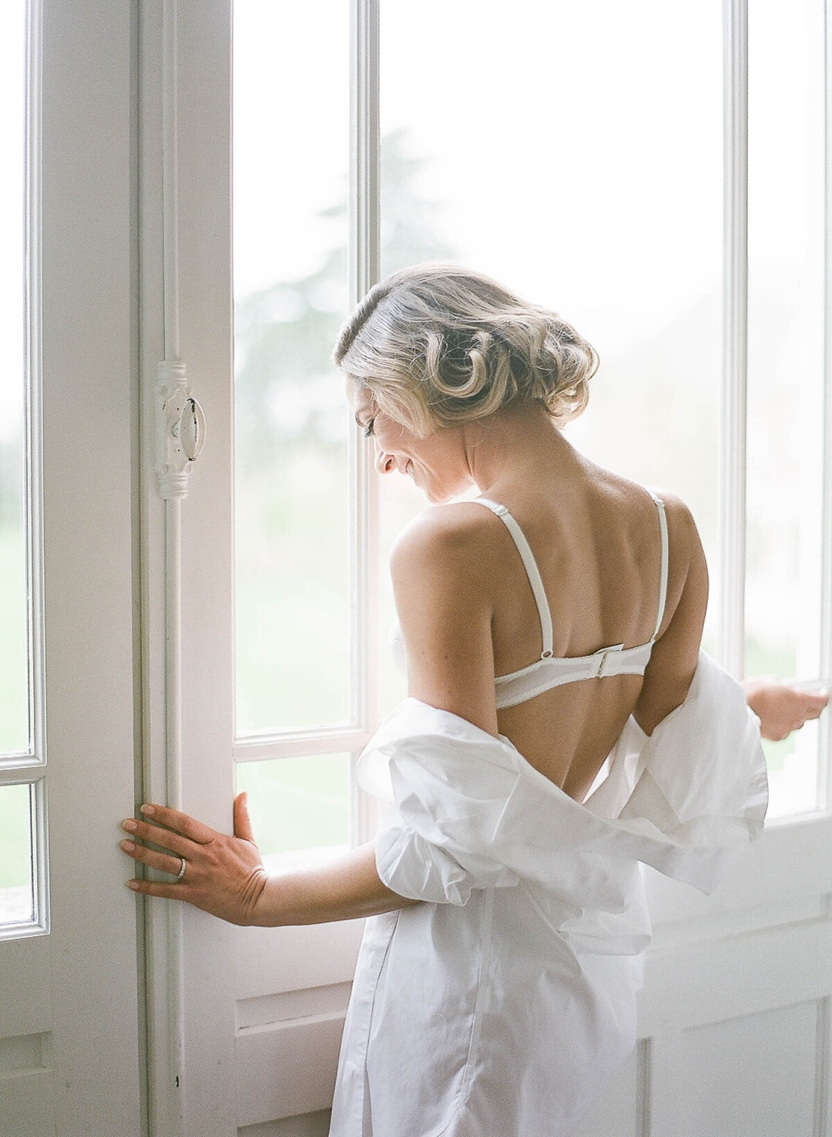 chateau-de-varennes-boudoir-wedding-couple-17