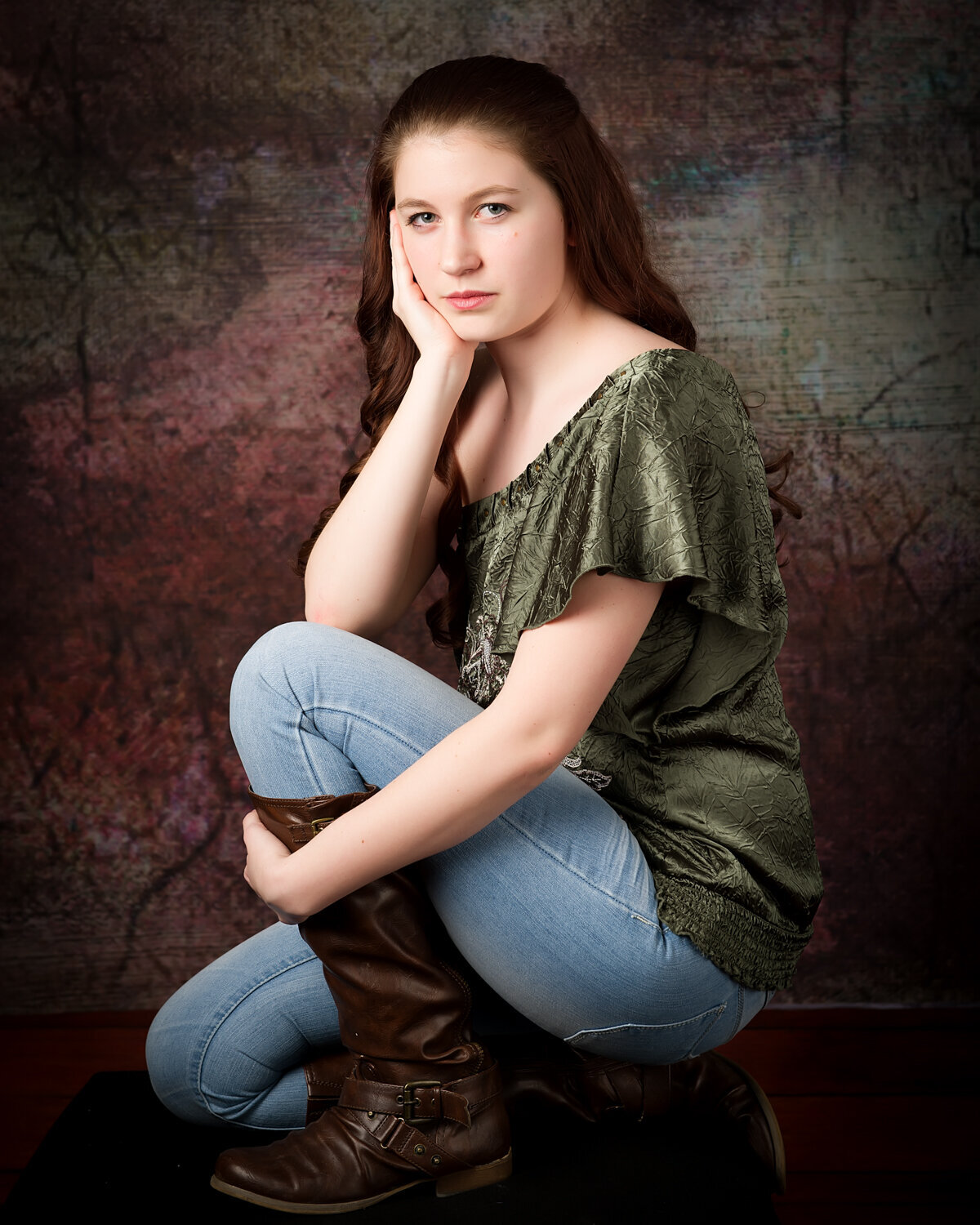 senior girl portrait indoor stdio with boots