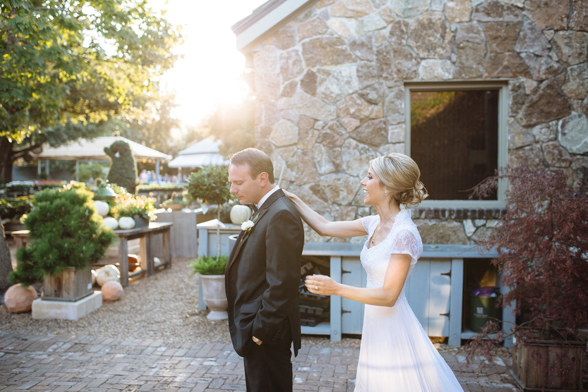 emotional first look at houston wedding venue tiny boxwoods
