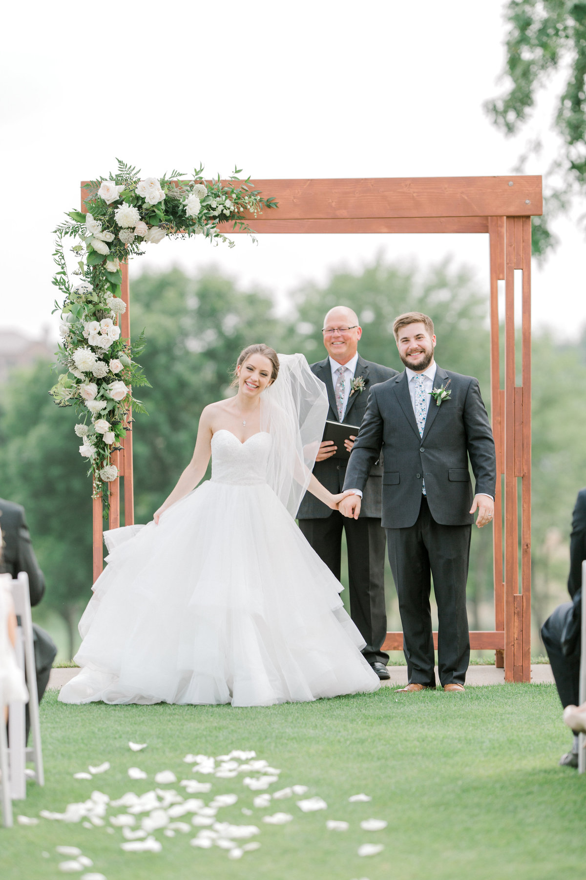 Glen-Oaks-Country-Club-West-Des-Moines-IA-Wedding-J+A-9790