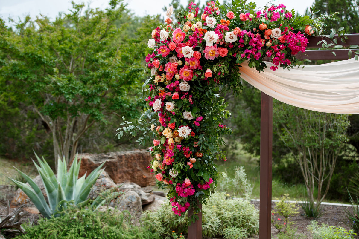 terrace club wedding photographer alter floral arrangement 2600 US-290, Dripping Springs, TX 78620