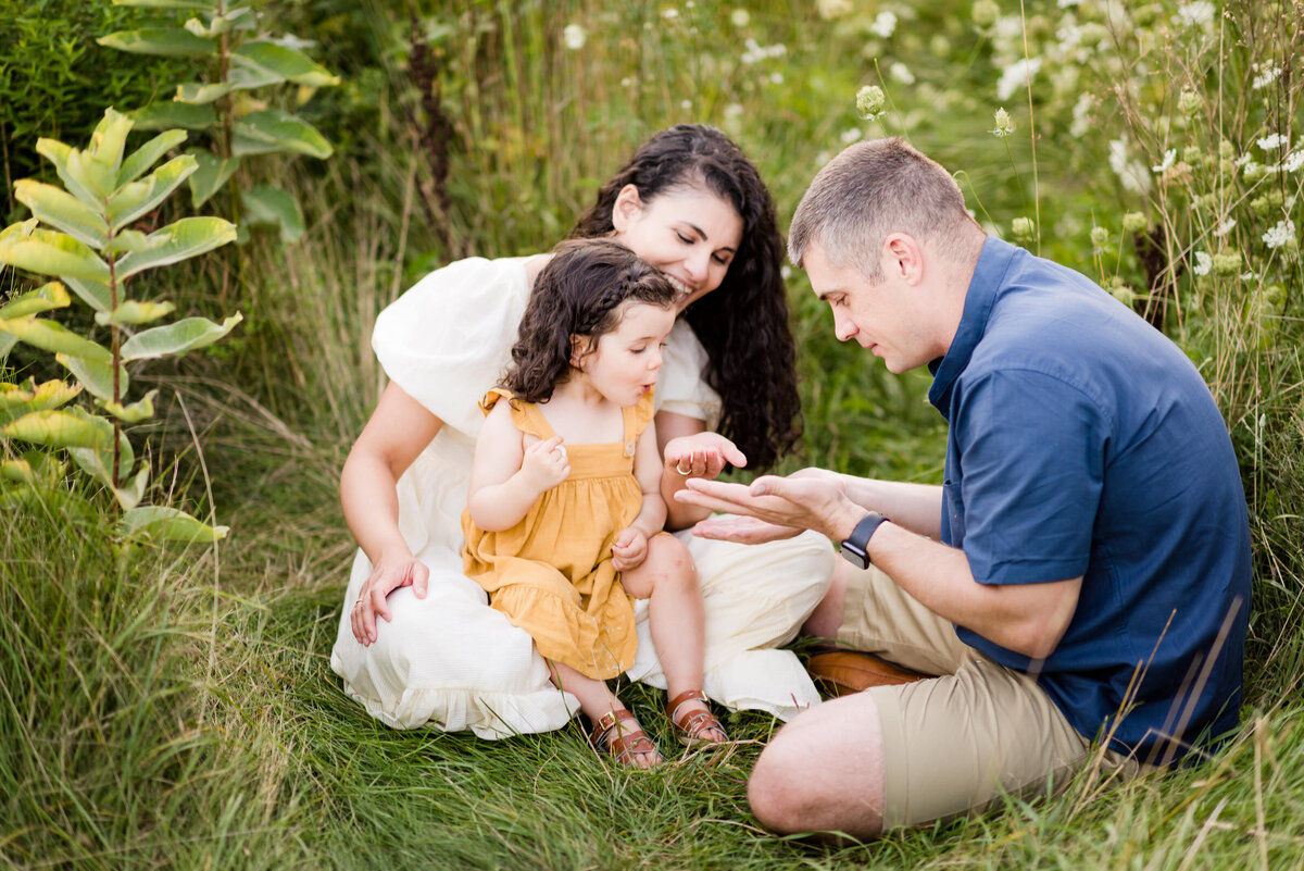 Boston-family-photographer-bella-wang-photography-Lifestyle-session-outdoor-wildflower-65
