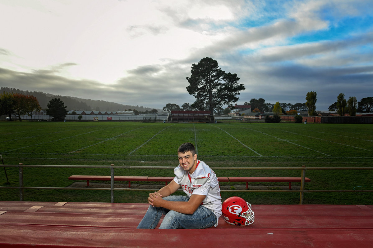 Redway-California-senior-portrait-photographer-Parky's-Pics-Photography-Humboldt-County-football-Ferndale-High-nighhttime-5.jpg