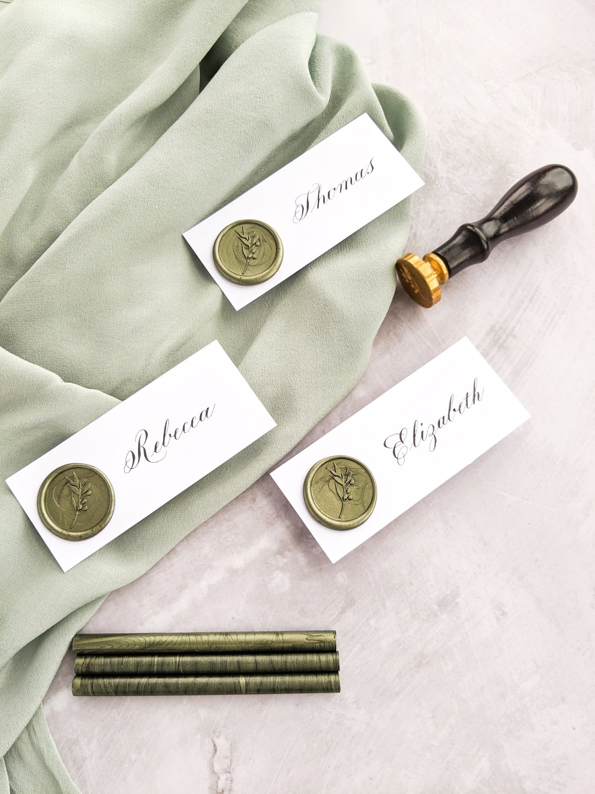 Wax seal place cards | Jenni Liandu Calligraphy