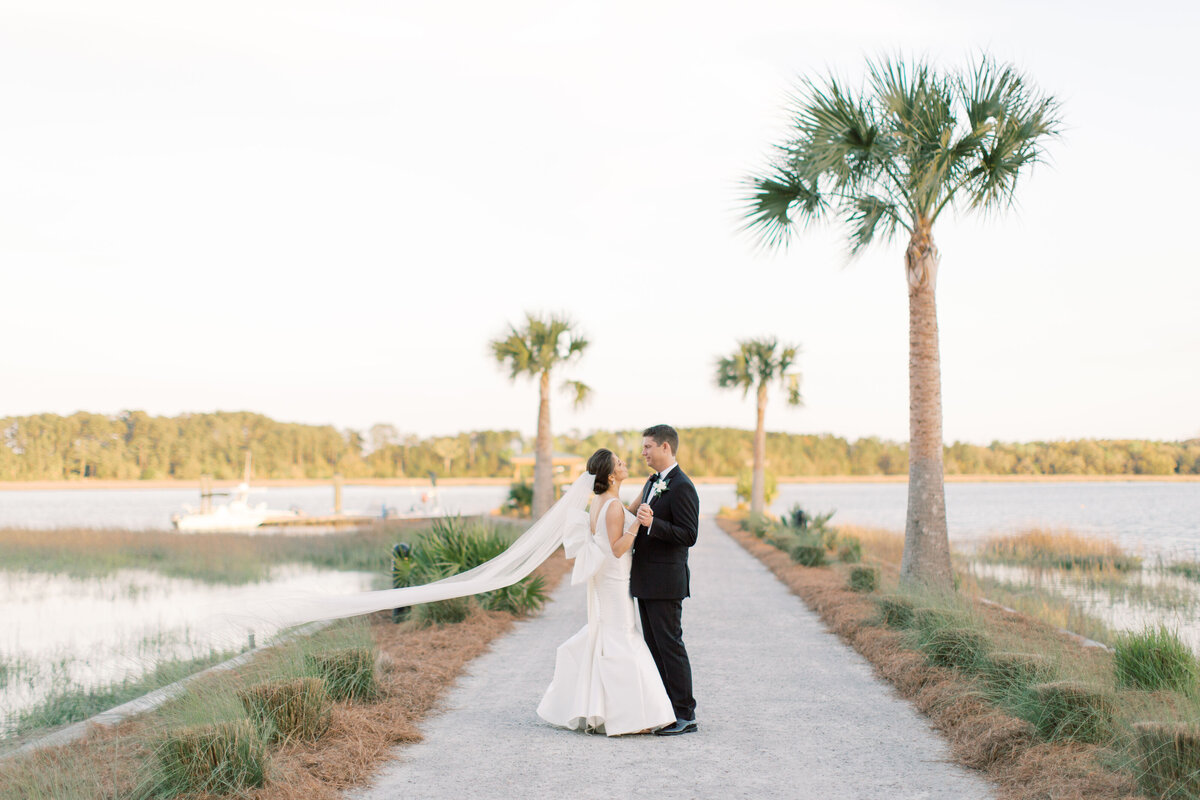 Powell_Oldfield_River_Club_Bluffton_South_Carolina_Beaufort_Savannah_Wedding_Jacksonville_Florida_Devon_Donnahoo_Photography_0943