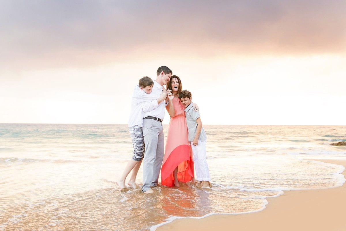 Maui-Sunshine-Coast-Family-Photographers_0034-min