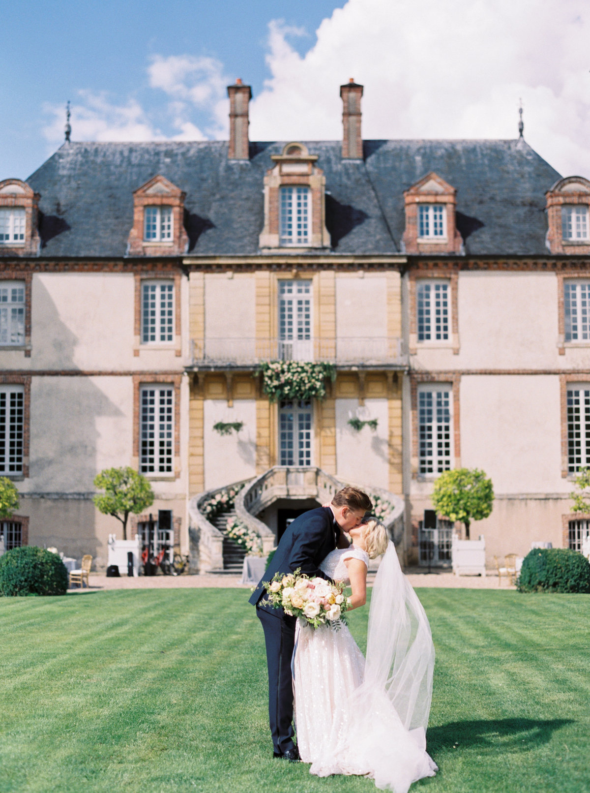 Paris France Wedding - Mary Claire Photography-43