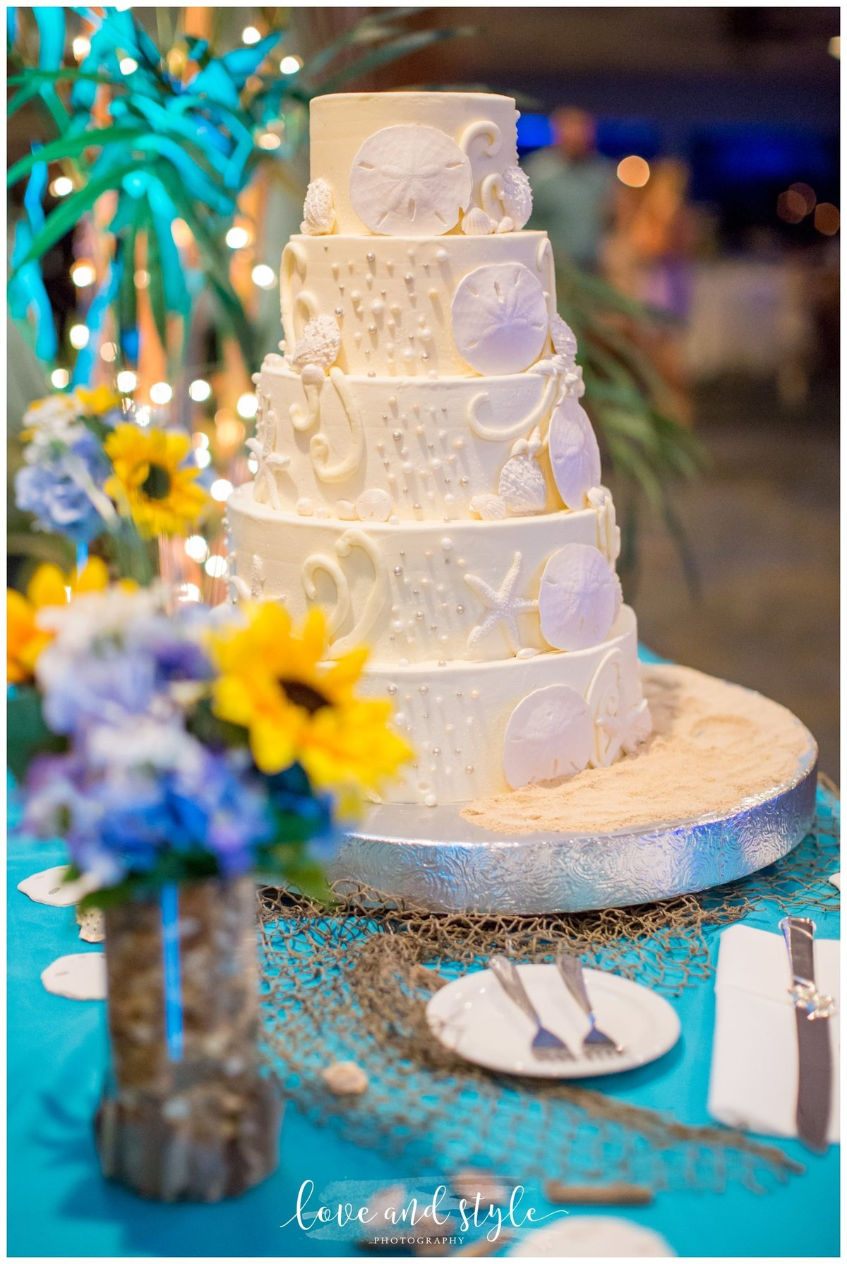 The Seafood Shack wedding reception photography of the wedding cake