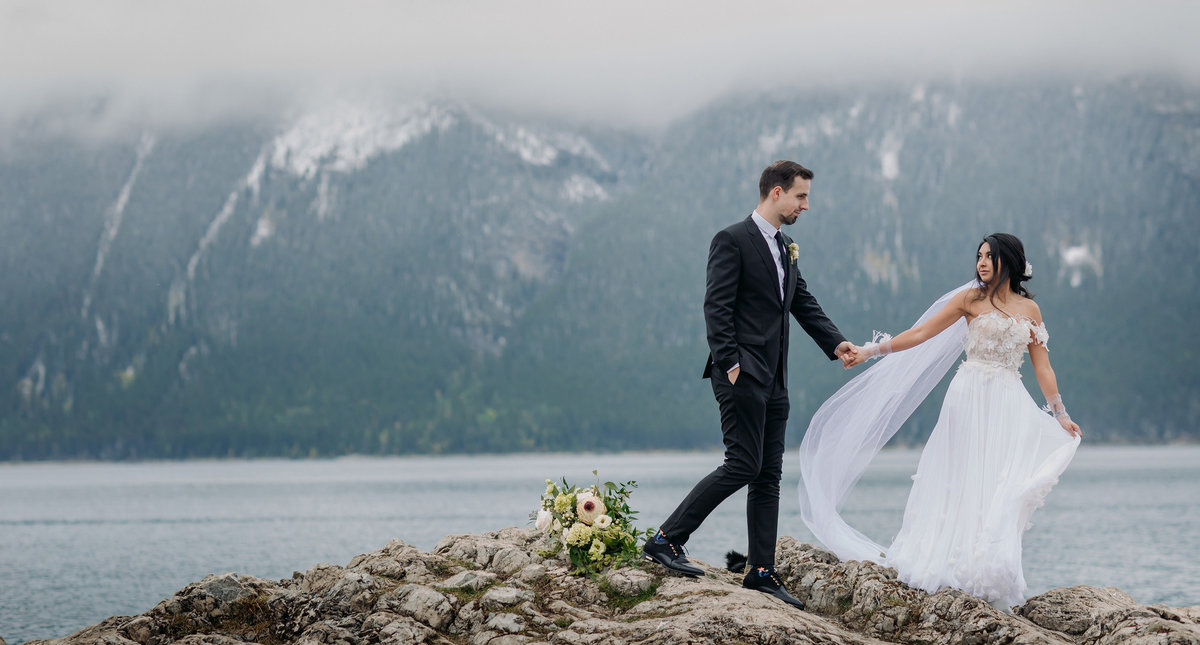 bohemian banff wedding at lake minnewanka autumn