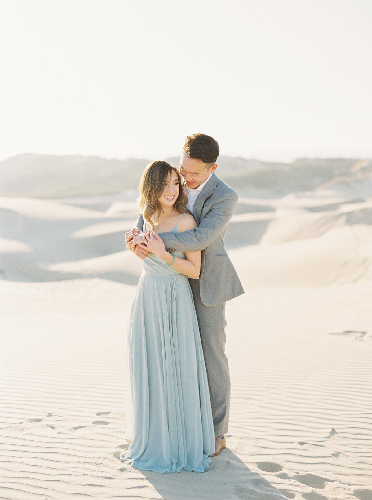 sand-dune-engagement-photos-27