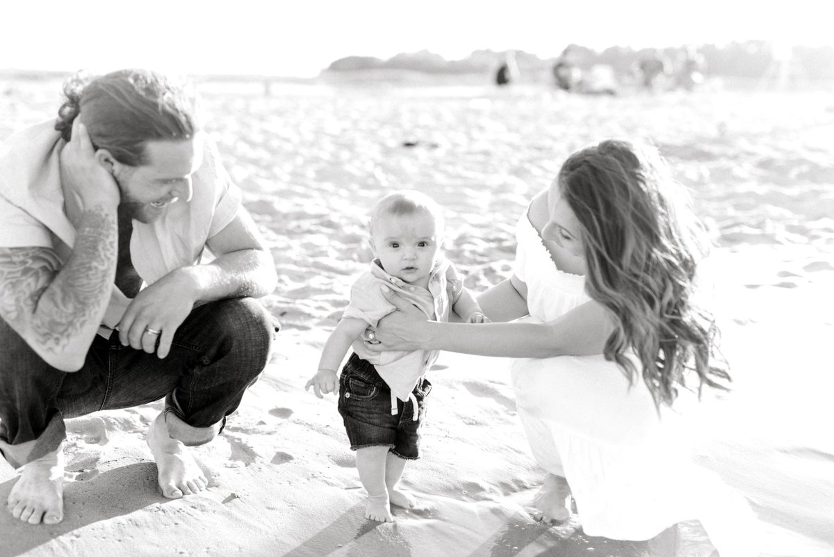 crane-beach-family-session-boston-lifestyle-newborn-photographer-photo_0014