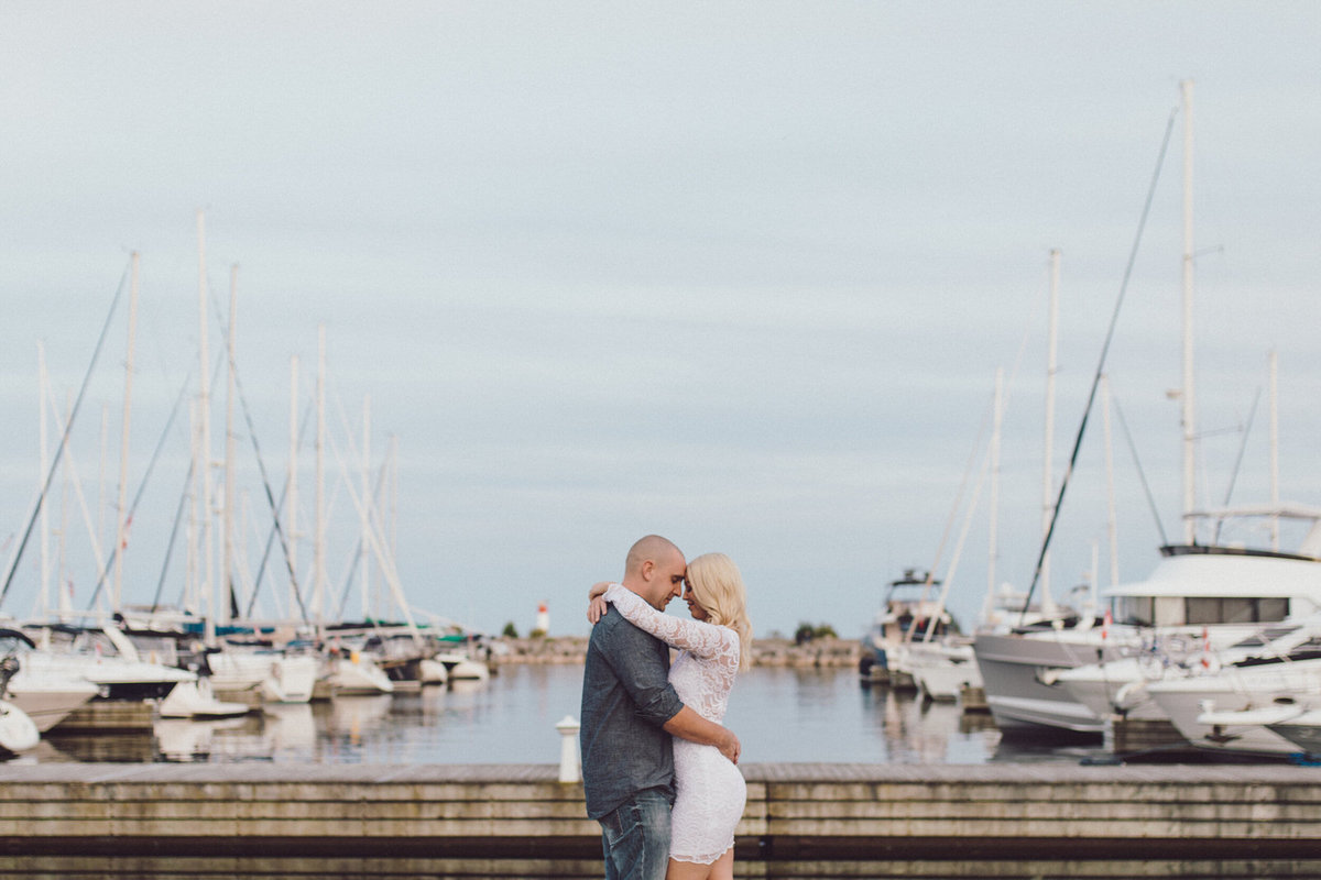 oakville-harbour-engagement-shoot-toronto