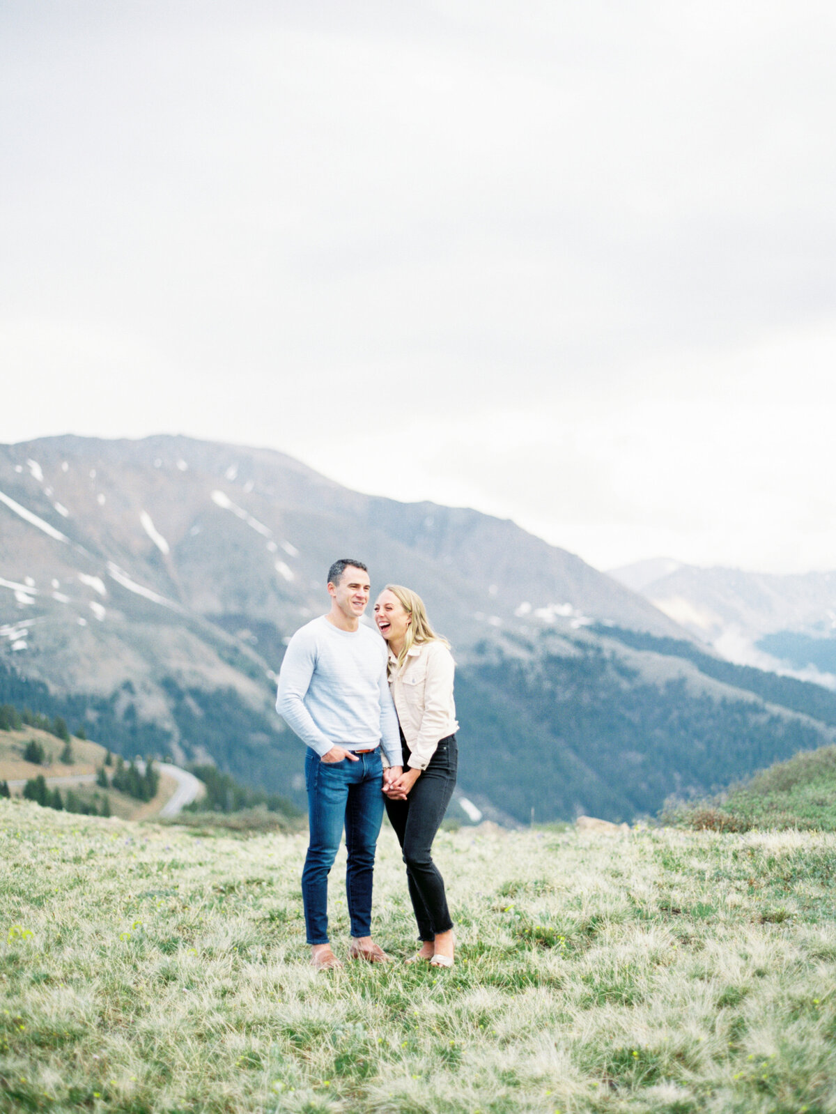 Melissa Brielle Photography Colorado Fine Art Wedding Engagement Photographer Photograph Melissa Minkner Light Airy Luxury High End14