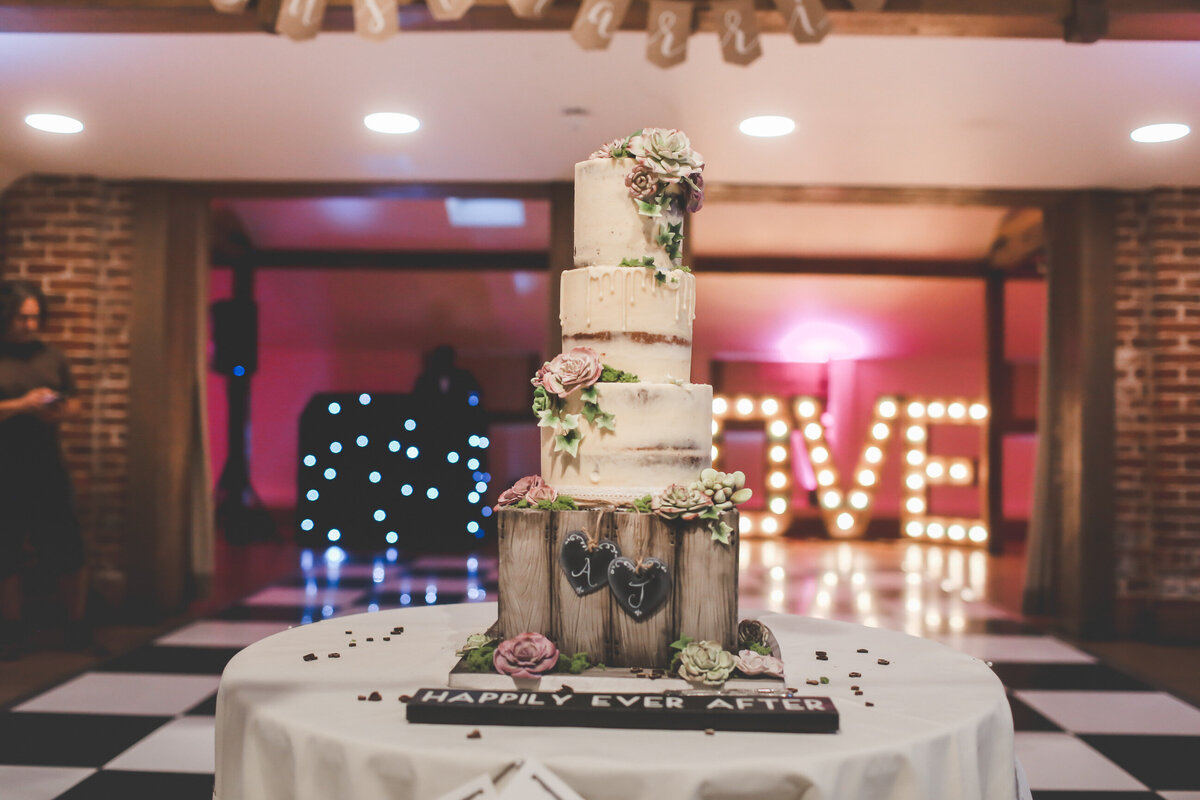 GAYNES-PARK-BARN-WEDDING-ESSEX-0080