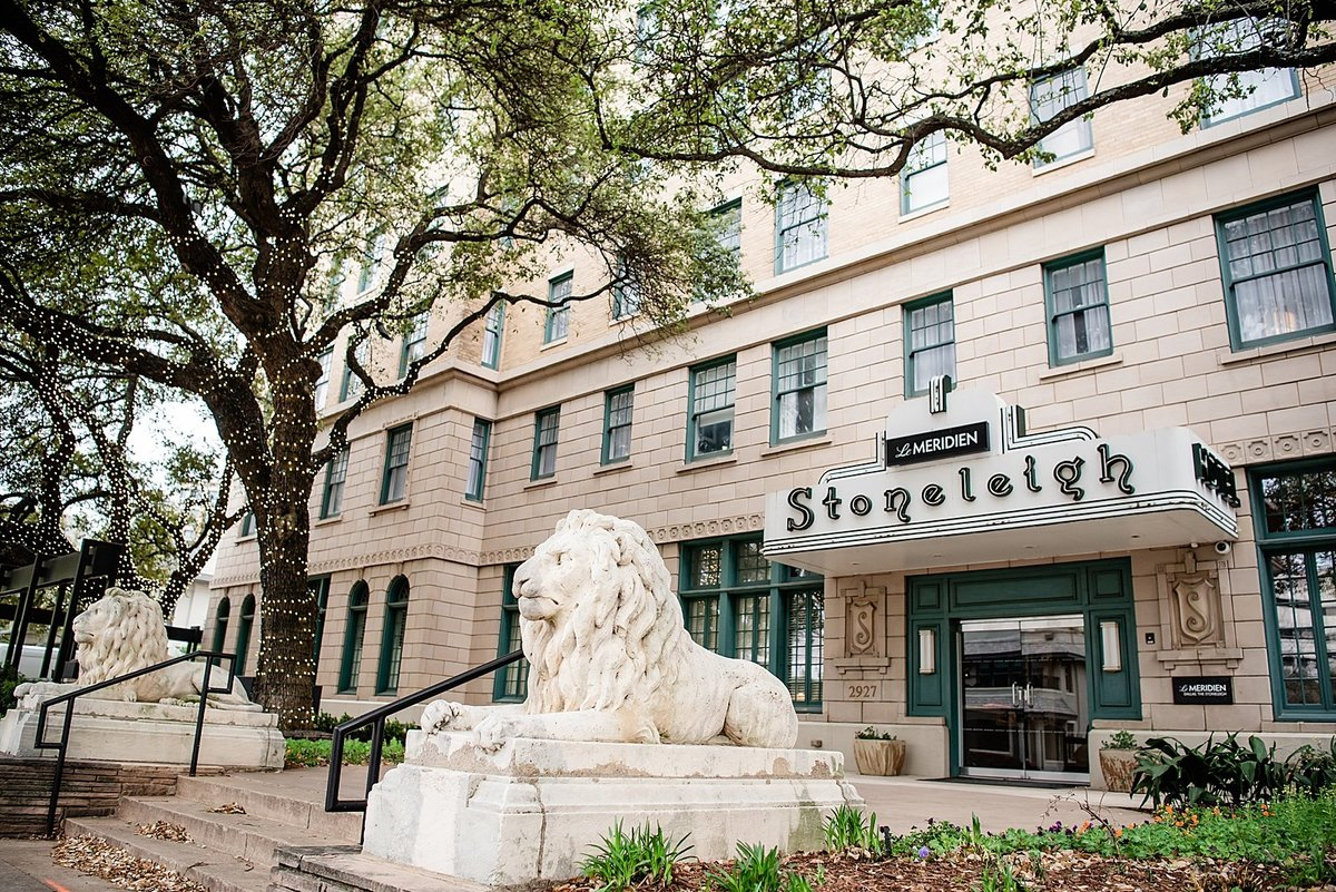 Dallas-Le-Meridien-Stoneleigh-wedding-in-downtown-by-Julia-Sharapova-Photography_0001