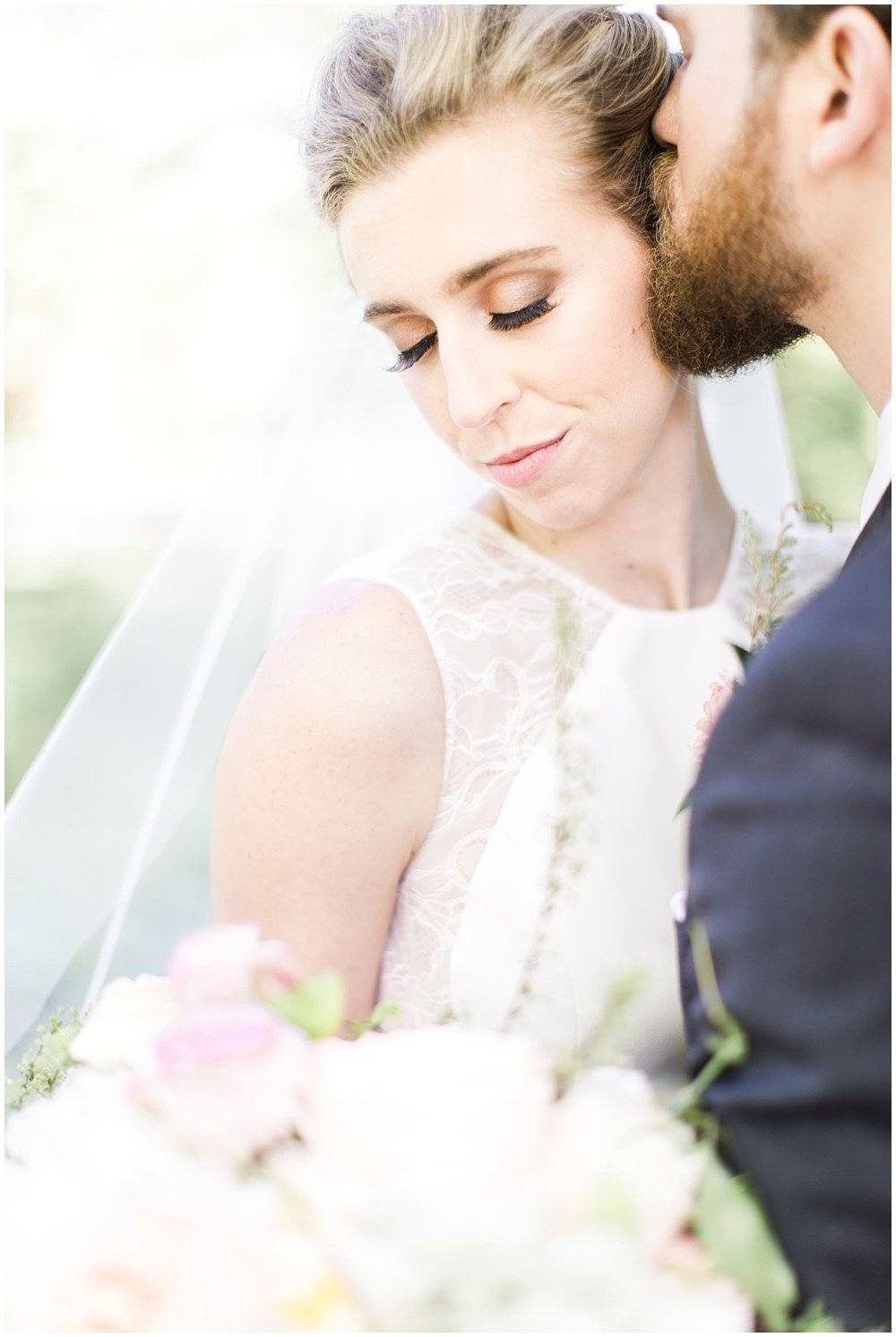 Spring-Floral-Willows-On-Westfield-Lodge-Wedding-Ivan-Louise-Images-Jessica-Dum-Wedding-Coordination_photo_0008