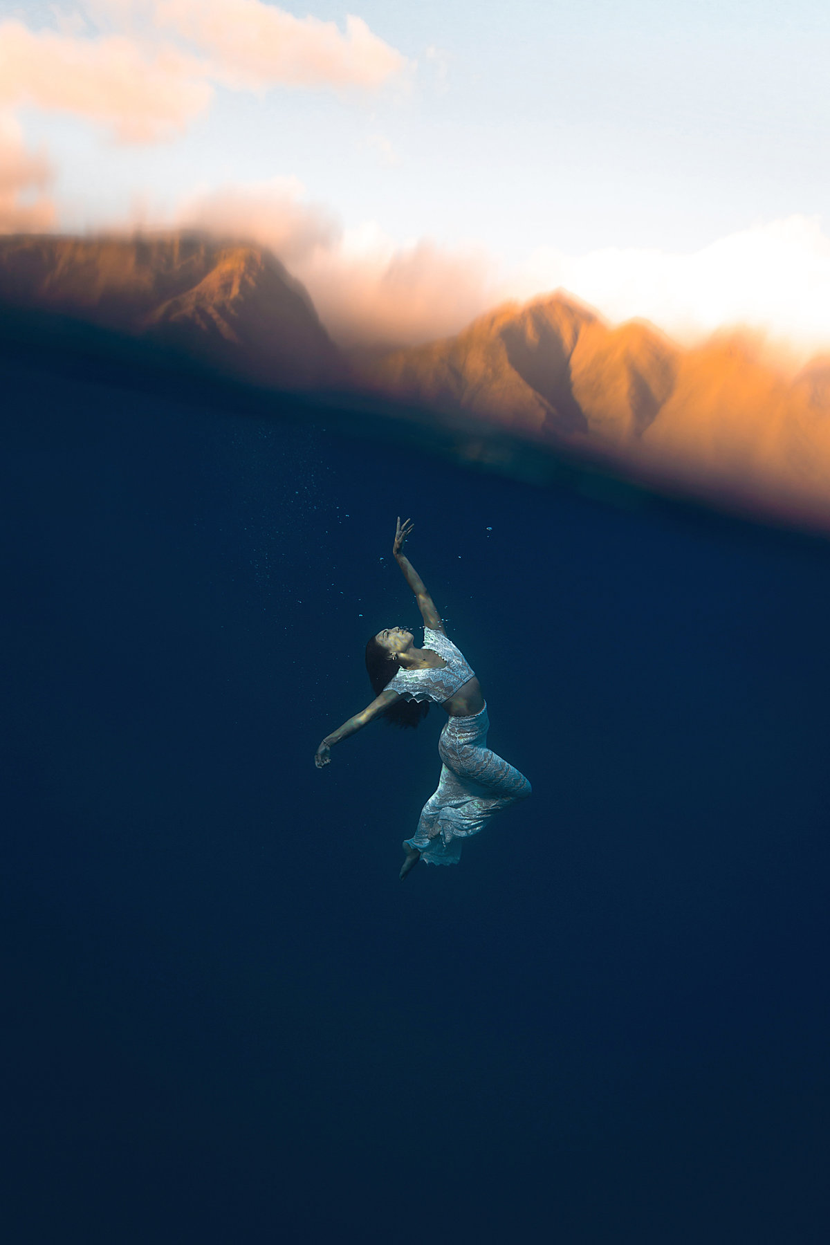 Underwater Trash the Dress Portraits-13