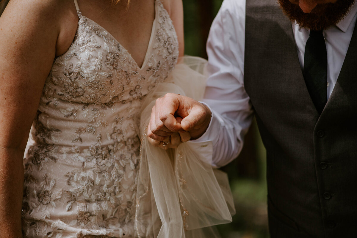 ochoco-forest-central-oregon-elopement-pnw-woods-wedding-covid-bend-photographer-inspiration2325