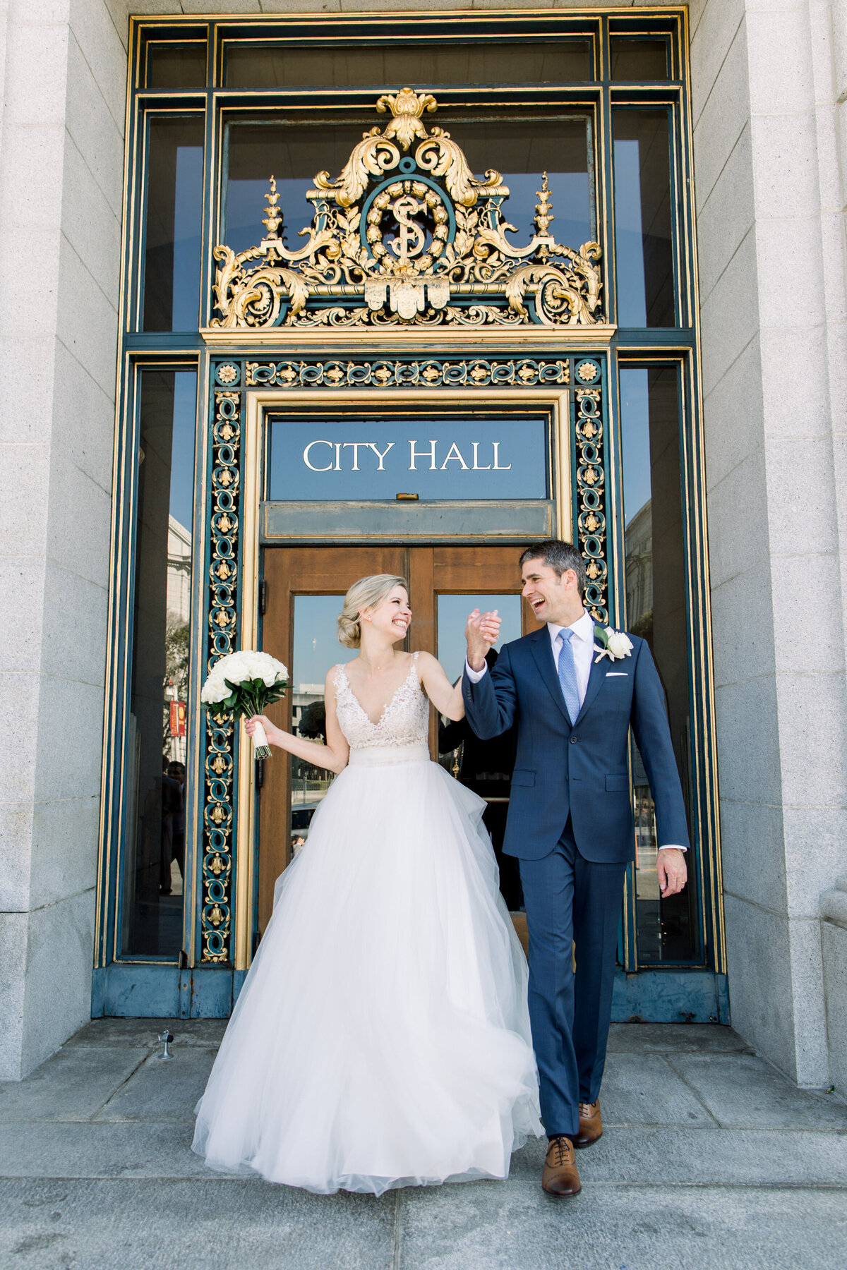 Best_San_Francisco_City_Hall_Wedding_photographer-019